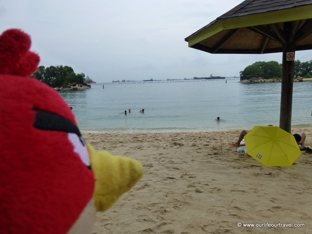 The traveling Birdie in Sentosa, Singapore www.ourlifeourtravel.com