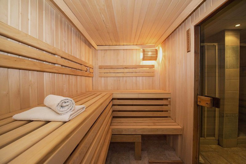 Wooden Sauna - Benches and Towels