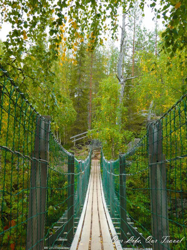 the suspension bridge in Oulanka during summer