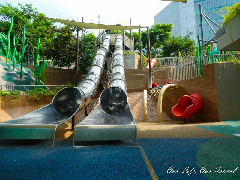 Admiralty Park and the best and longest slides in Singapore. Favorite attractions for kids in Singapore