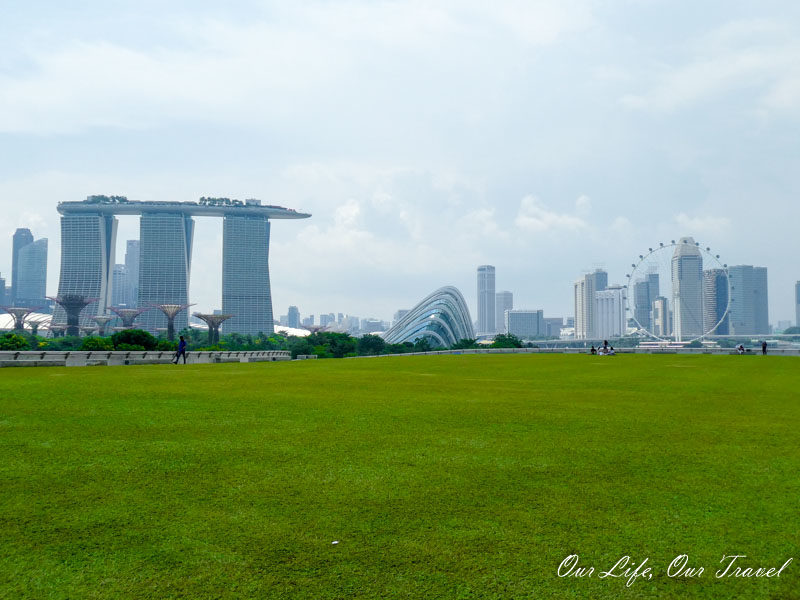 Marina Barrage: Kite Flying and Picnic - Singapore - Our ...